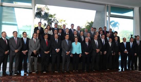 pimentel-participa-de-encontro-de-governadores-com-presidenta-dilma