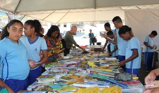 estudantes-de-escolas-estaduais-participam-das-atividades-da-1a-festa-literaria-de-sabara